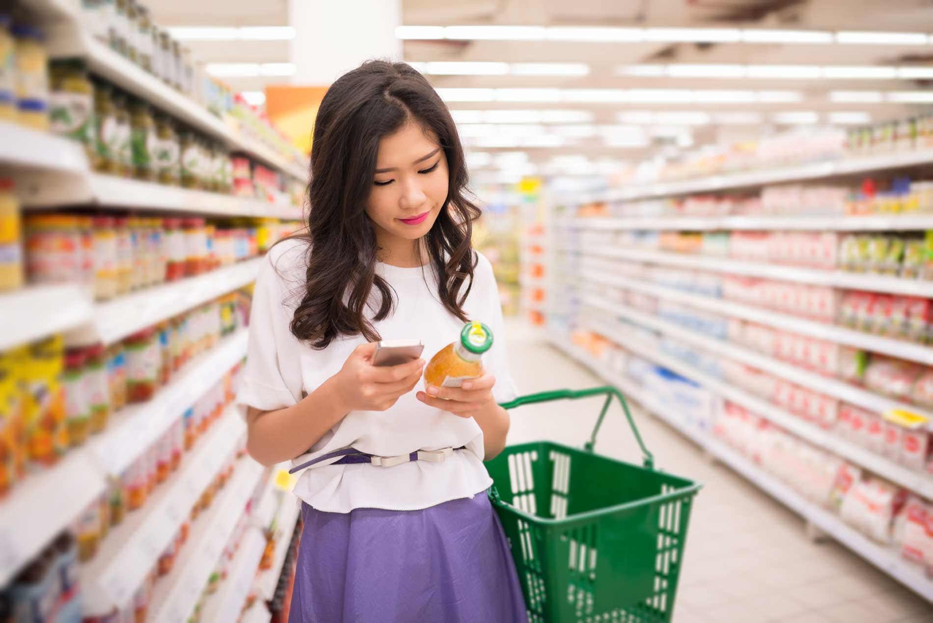 eCommerce Meets the Grocery Aisle: Kroger's New Digital Shopping Experience